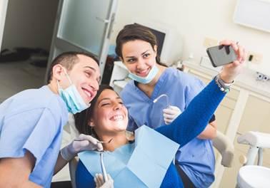 Preparação técnica pode não ser suficiente para sucesso na carreira odontológica