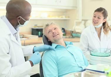 O poder do tato no atendimento odontológico